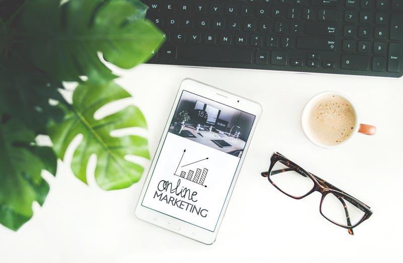 El marketing online es un compendio de disciplinas, y entre ellas el seo es una de las más principales